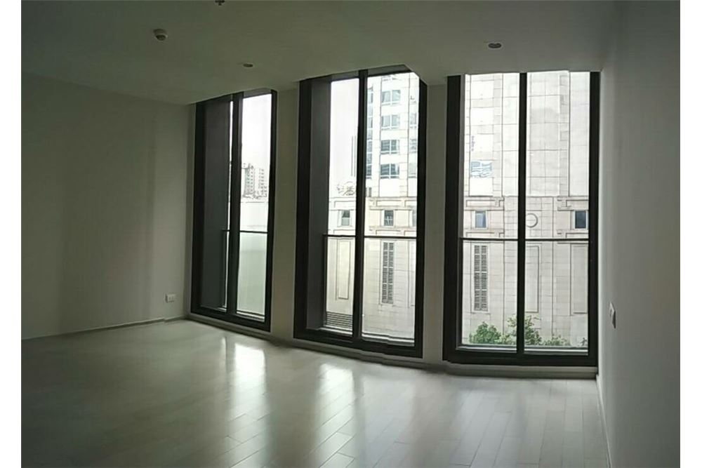 RE/MAX Properties Agency's SALE Noble Ploenchit 1BED 44.94SQM. 1