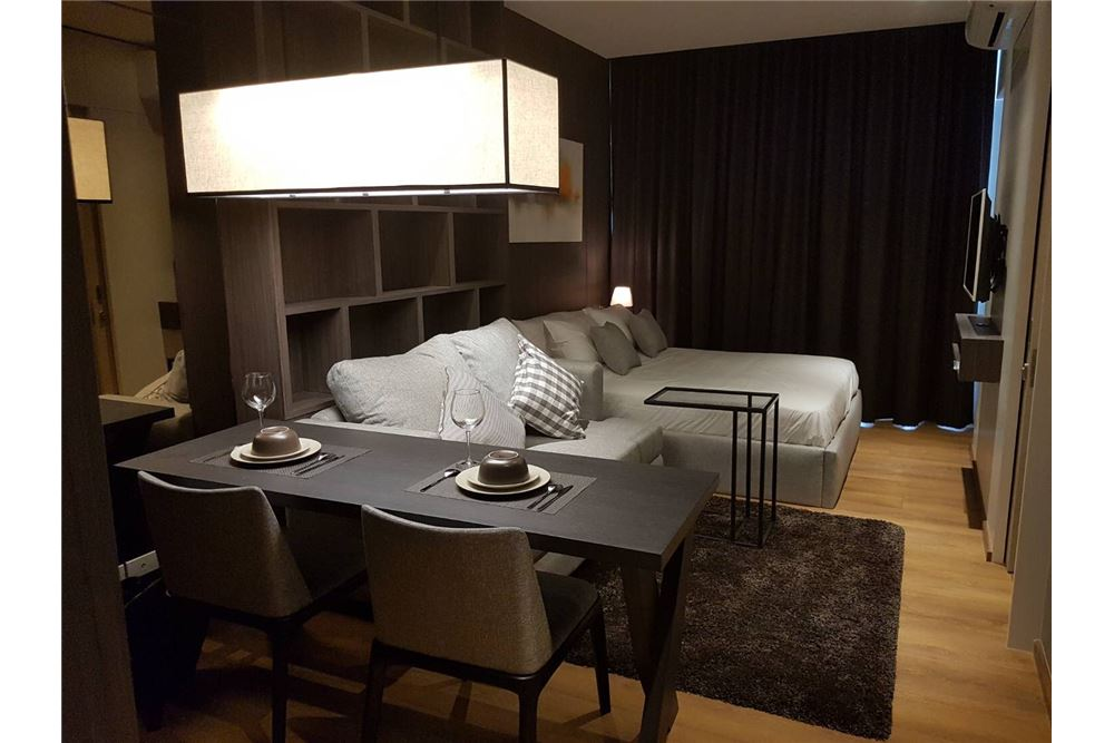 RE/MAX Properties Agency's Park 24 1bedroom for rent 3