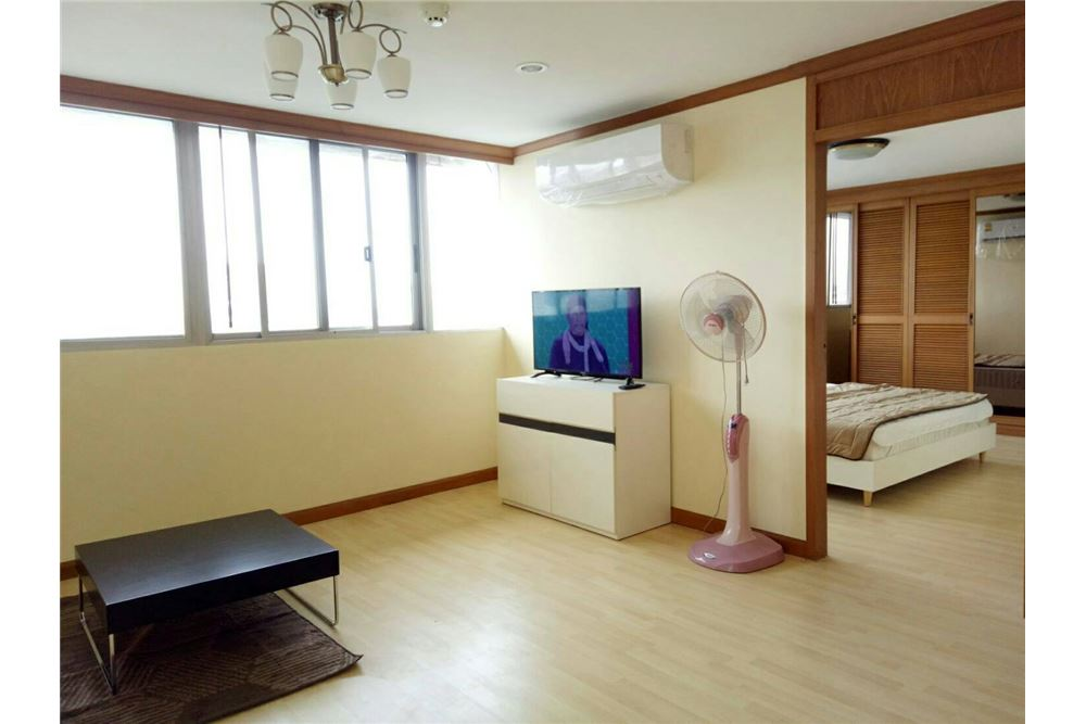 RE/MAX Executive Homes Agency's Spacious 2 Bedroom for Rent Tai Ping Towers 3
