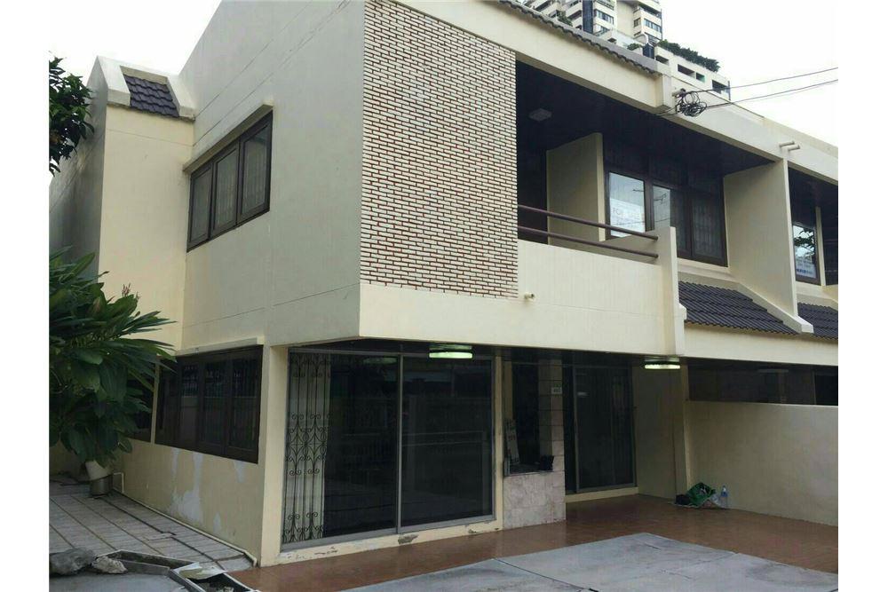 RE/MAX Properties Agency's SALE Townhouse EKAMAI 12 41SQ.Wah 2