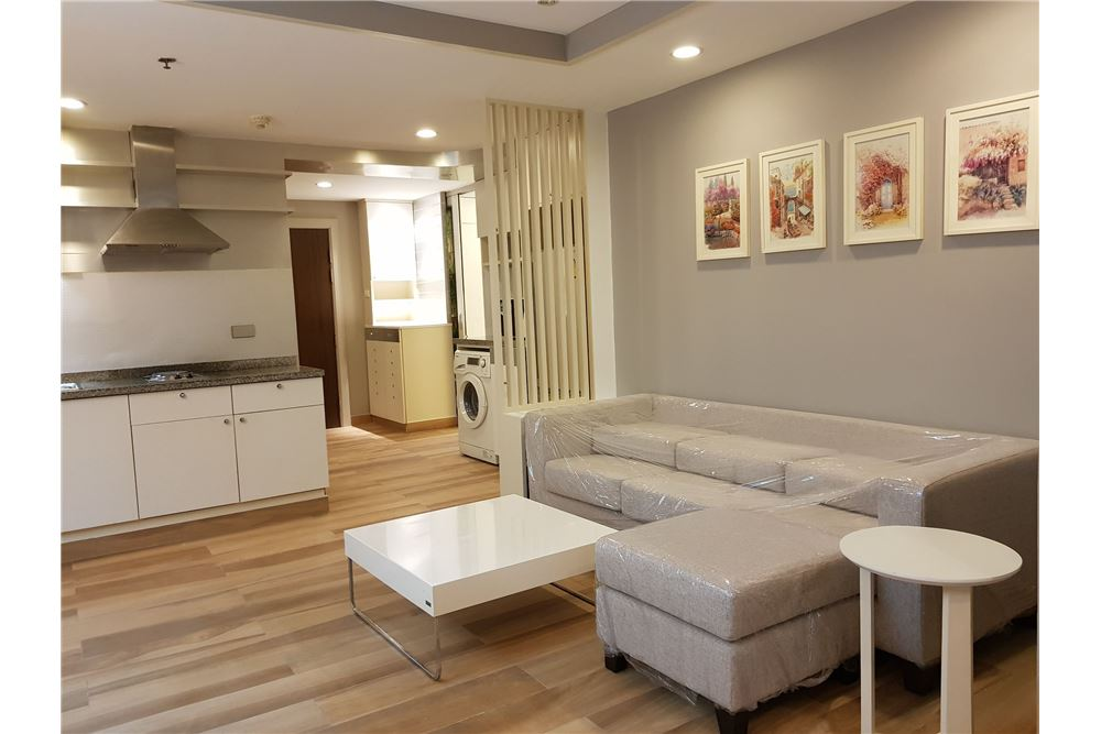 RE/MAX Executive Homes Agency's Newly Renovated 2 Bedroom for Rent Trendy Condo 2
