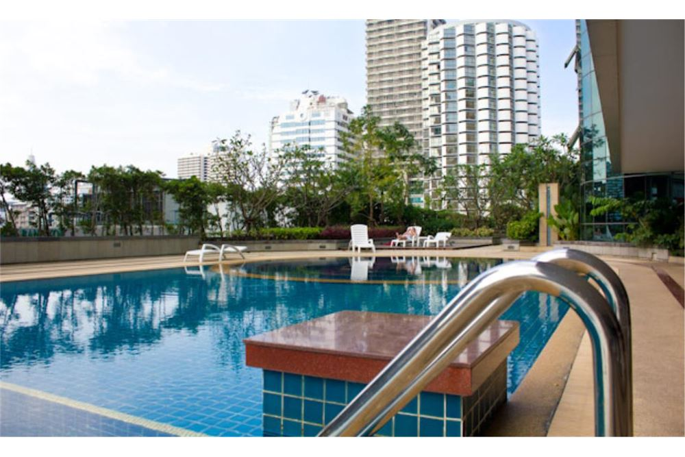 RE/MAX Properties Agency's FOR RENT The Trendy Condominium 2BED 91SQM. 12