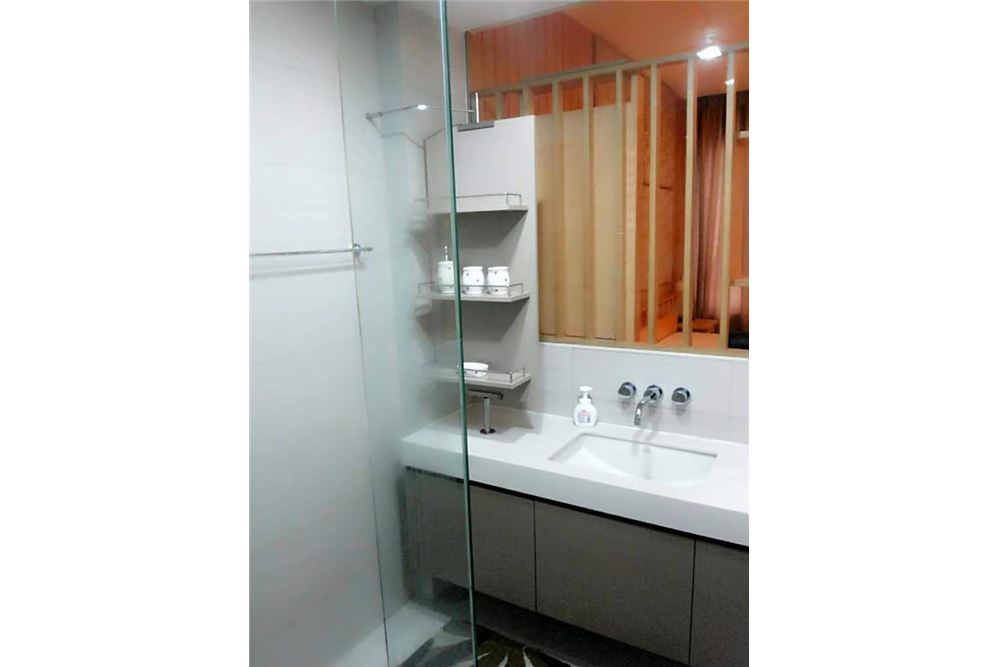 RE/MAX Executive Homes Agency's Spacious 1 Bedroom for Rent Siri @ Sukhumvit 10