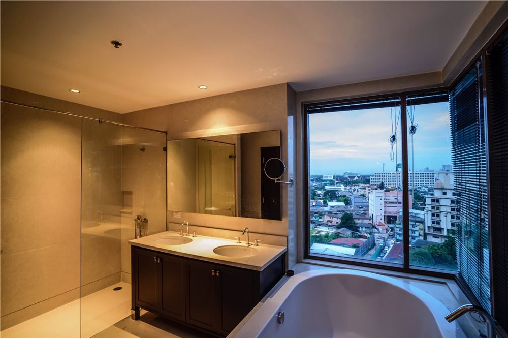 RE/MAX Properties Agency's Sale The Emporio Place 3BED 161SQM. 19