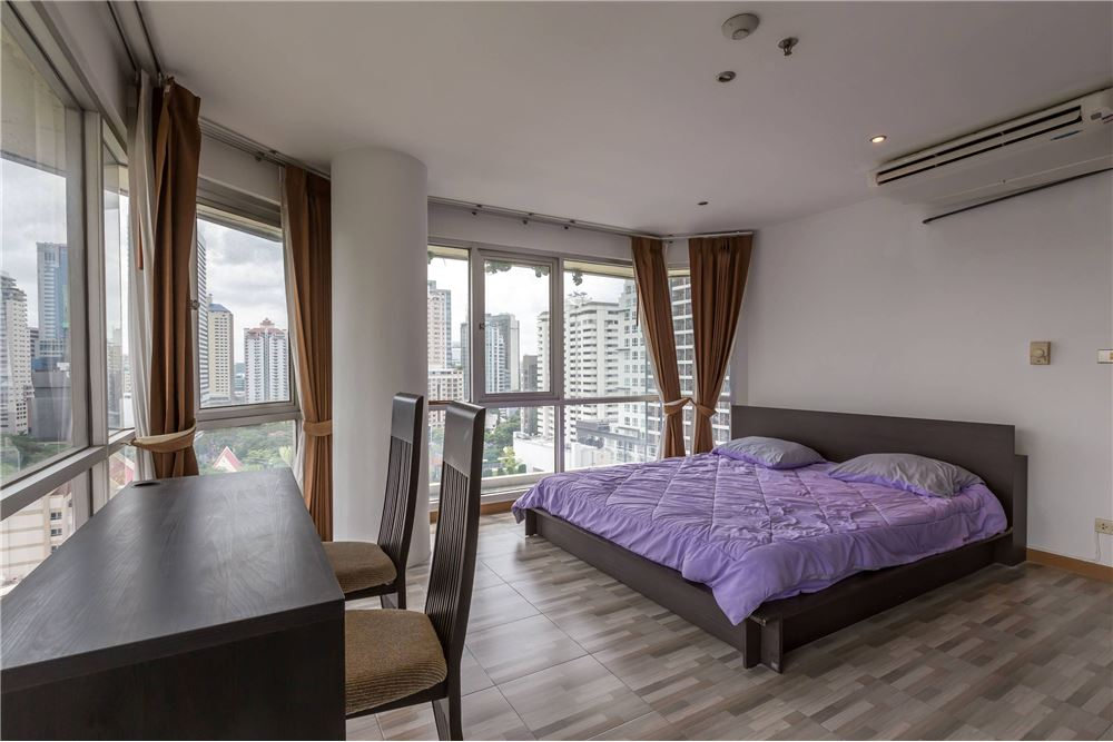RE/MAX Executive Homes Agency's Sukhumvit Suite / Condo For Rent / 1 Bedroom / 8