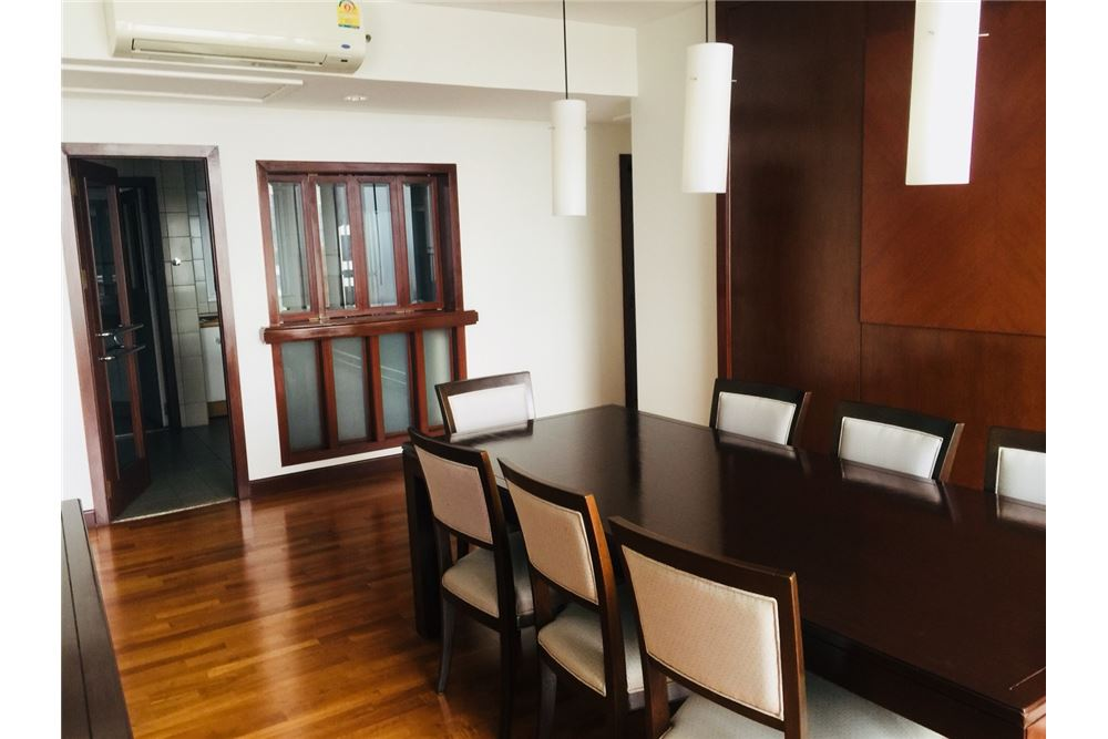 RE/MAX Executive Homes Agency's 3Bedroom 3Bath  For Rent Witthayu, BTS Pleon Chit 2
