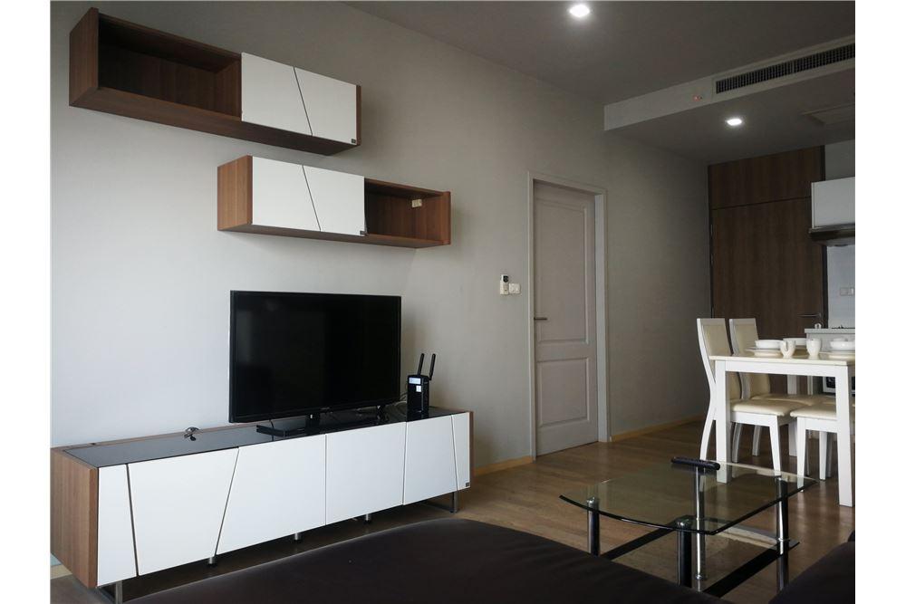 RE/MAX Properties Agency's RENT NOBLE REFINE | 1 BEDROOM 5