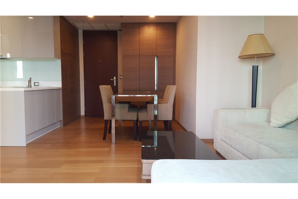 RE/MAX Executive Homes Agency's 2 Bedrooms / For Rent / The Address Asoke 4