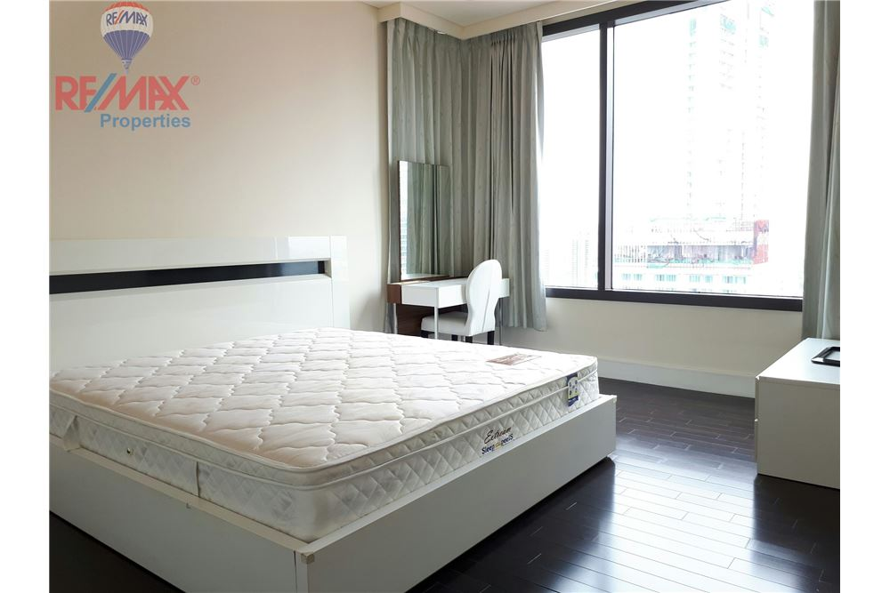 RE/MAX Properties Agency's RENT 3 Bedroom 150 Sq.m at Aguston Sukhumvit 22 7