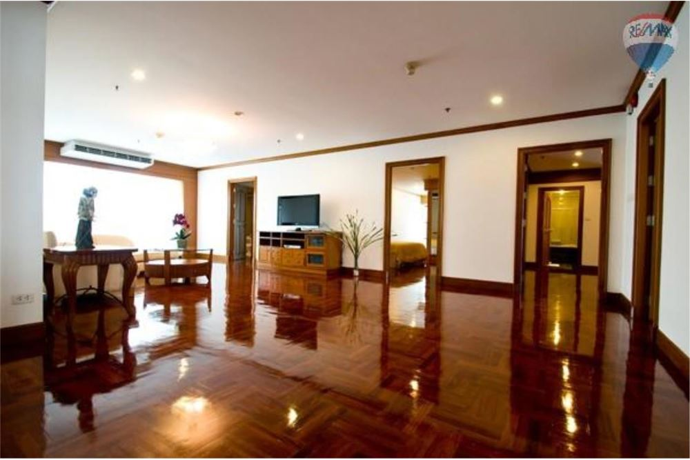 RE/MAX Properties Agency's GM Tower Apartment for Rent, Bangkok 5