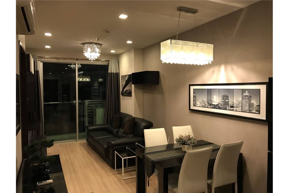 RE/MAX Executive Homes Agency's Nice 2 Bedroom for Rent Skywalk Condo 7