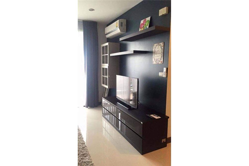 RE/MAX Properties Agency's for rent 1bedroom Vista Garden 6