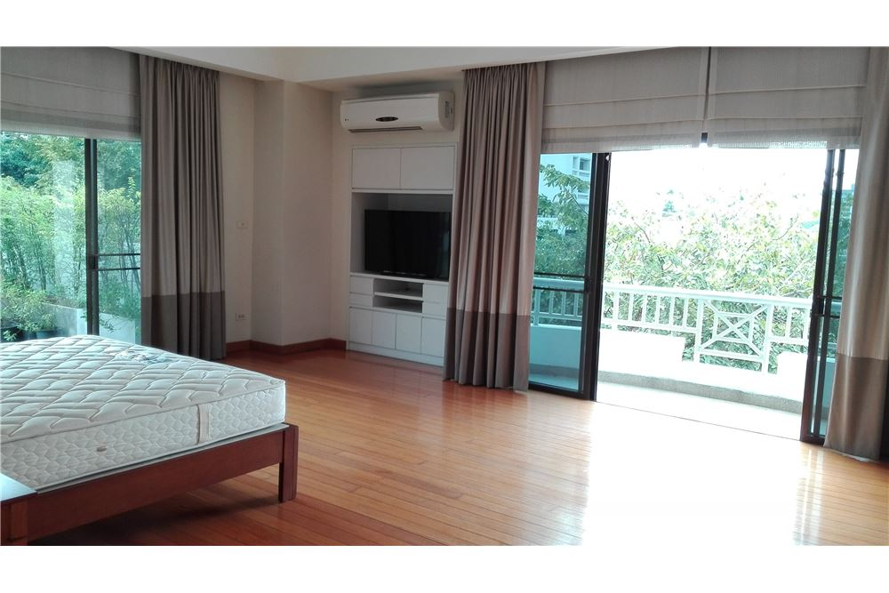 RE/MAX Executive Homes Agency's Lowrise Apartment 3+1 Bed For Rent in Thonglor 5