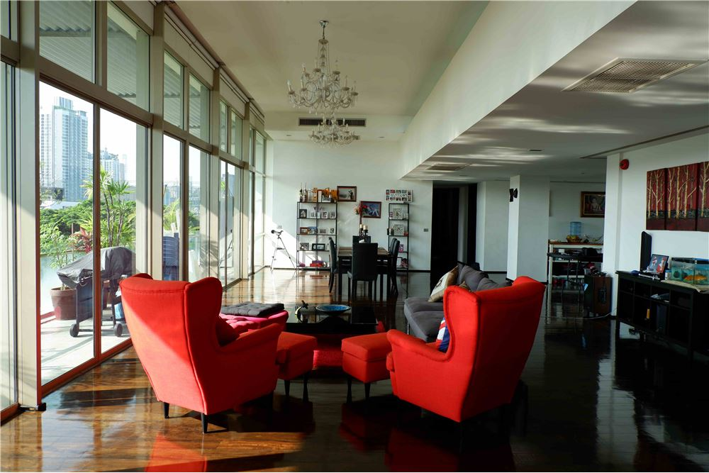 RE/MAX Properties Agency's FOR RENT FICUS LANE PENTHOUSE 5 BEDS 420 SQM 4