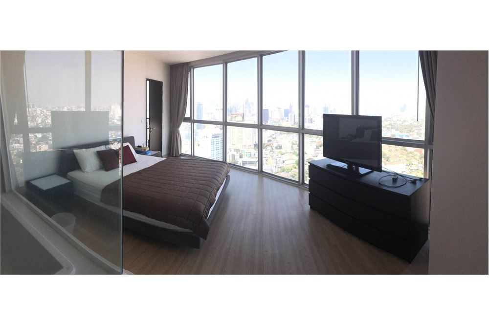RE/MAX Properties Agency's RENT Skywalk condo 1BED 53SQM. 1