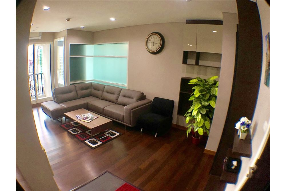 RE/MAX Executive Homes Agency's Spacious 2 Bedroom for Rent Ivy Thonglor 1