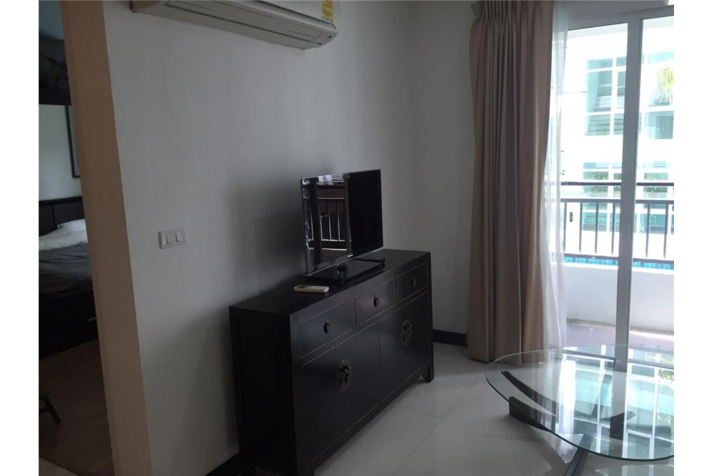 RE/MAX Properties Agency's FOR RENT Voque Sukhumvit 16 1BED 40SQM. 4