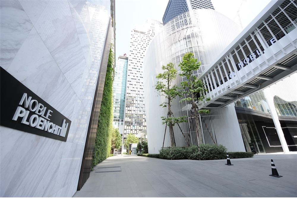 RE/MAX Properties Agency's 2 Beds/82Sqm/27,500,000/@BTS Ploenchit 1