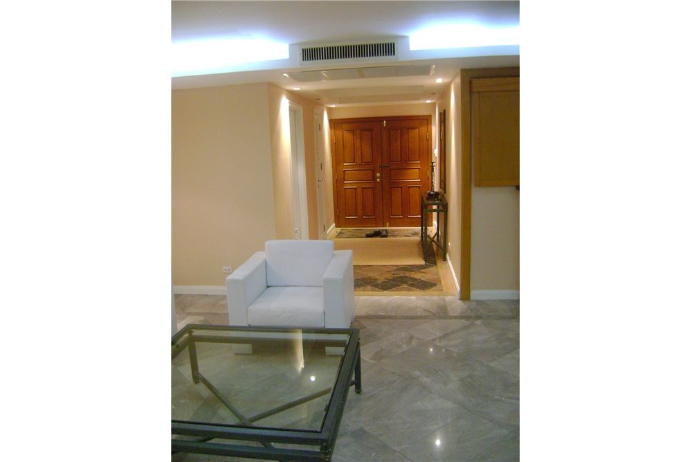 RE/MAX Properties Agency's 4 Beds for rent 150,000 at Somkid Garden 2