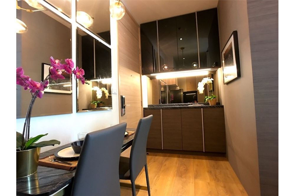 RE/MAX Properties Agency's 1 bed 30,000 for rent at Park 24 1