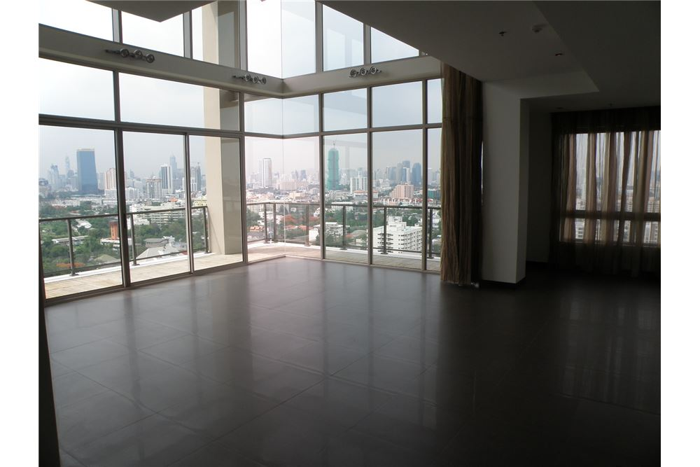 RE/MAX Executive Homes Agency's Lofts Yanakard / Penthouse, Duplex / For Sale 8