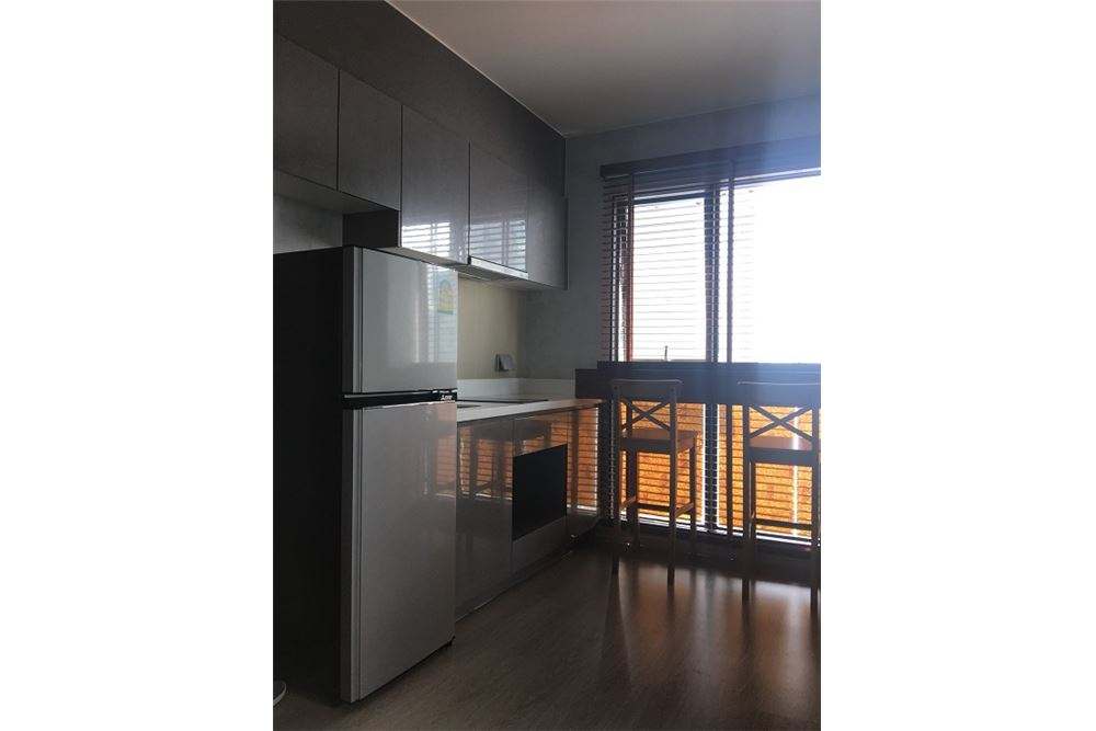 RE/MAX Executive Homes Agency's Rhythm Asoke beautiful rooms for rent. City views. 4