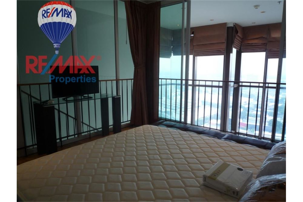 RE/MAX Properties Agency's FOR RENT The Emporio Place 1BED 83SQM 8