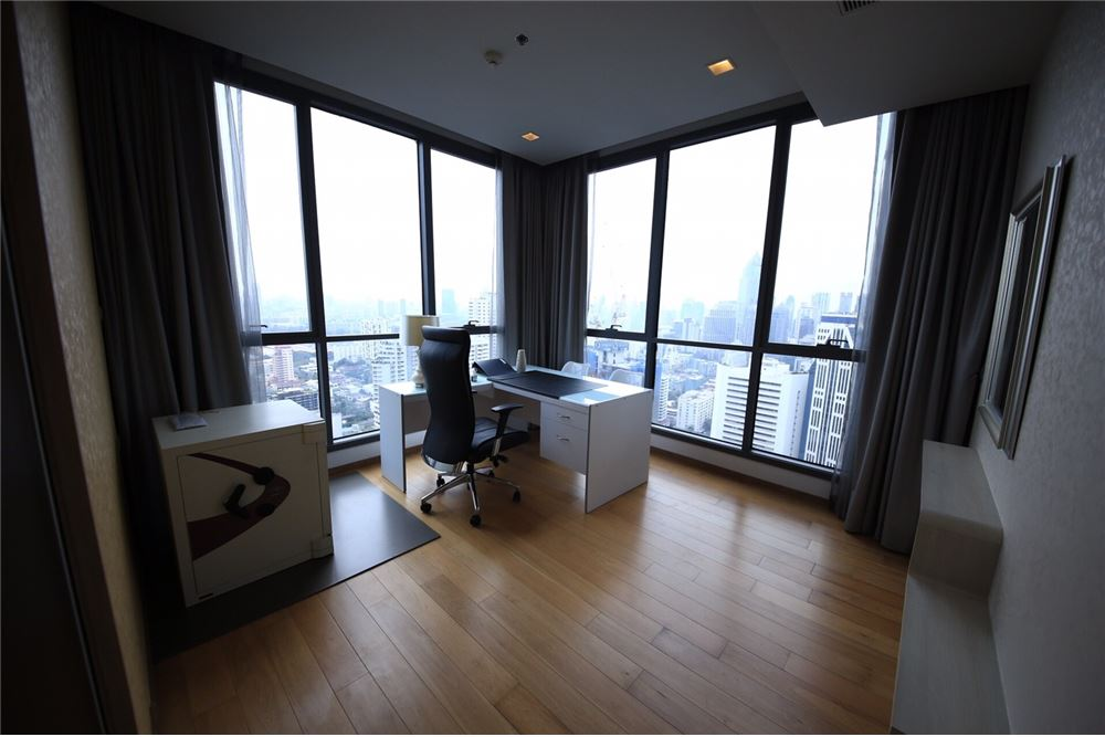 RE/MAX Properties Agency's RENT Hyde Sukhumvit 3BED 126.87SQM. 15