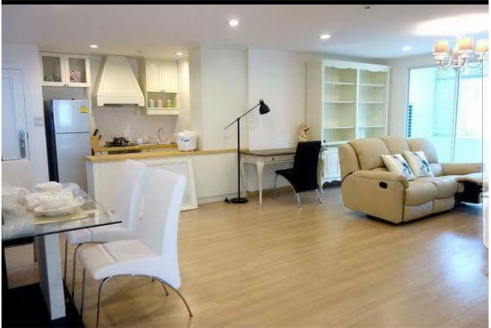 RE/MAX Executive Homes Agency's Spacious 2 Bedroom for Sale with Tenant Tristan 39 6
