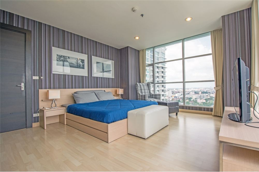 RE/MAX Properties Agency's 2 Beds for rent at Rhythm Ratchada 8