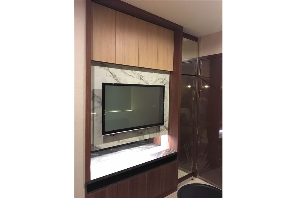 RE/MAX Properties Agency's Brand new 1 Bedroom for rent Rhythm Asoke 12