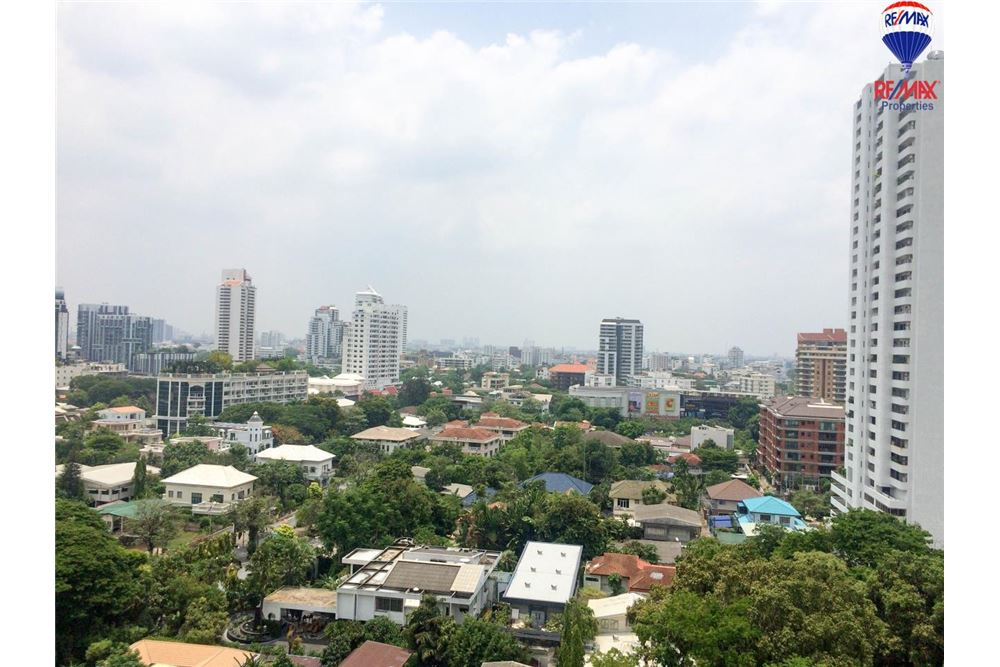 RE/MAX Properties Agency's FOR RENT Quattro by Sansiri 2BED 86SQM. 1