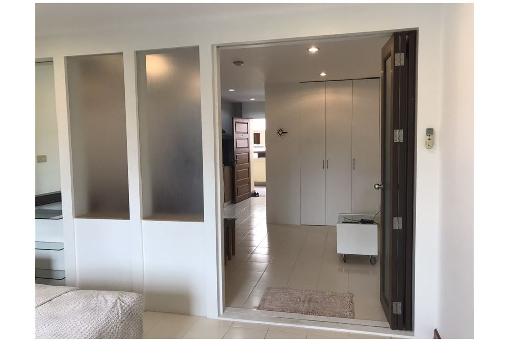 RE/MAX Executive Homes Agency's Apartment 1 Bedroom For Rent in Sukhumvit 26 5