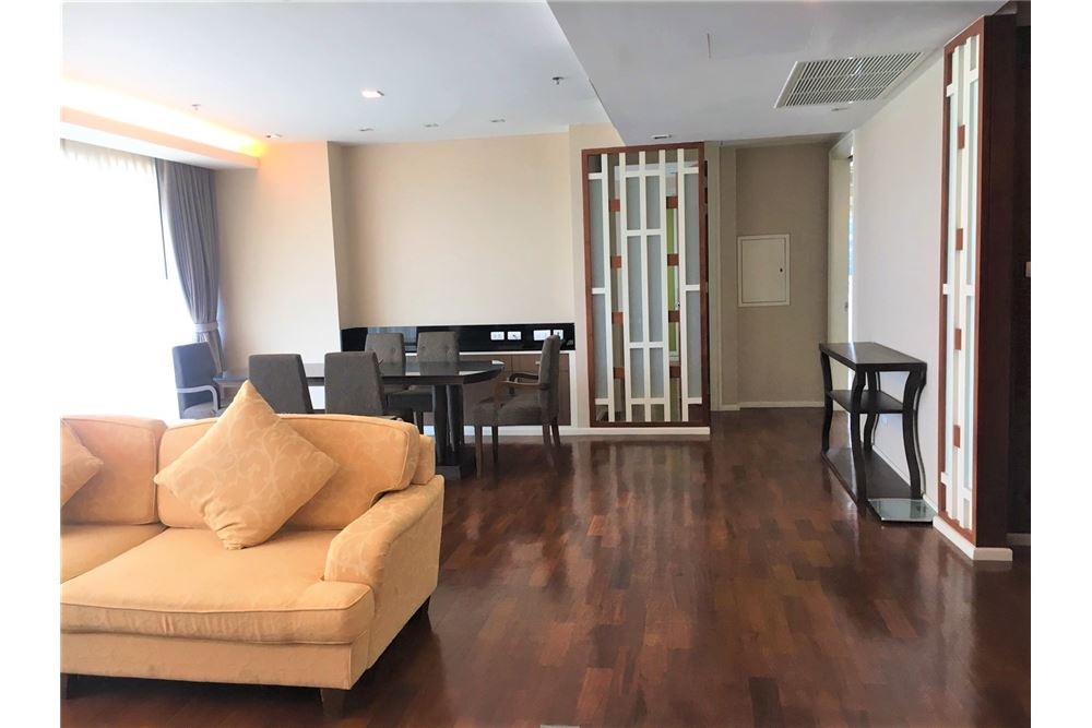 RE/MAX Executive Homes Agency's Apartment 3 Bedrooms / For Rent / in Asoke area 2