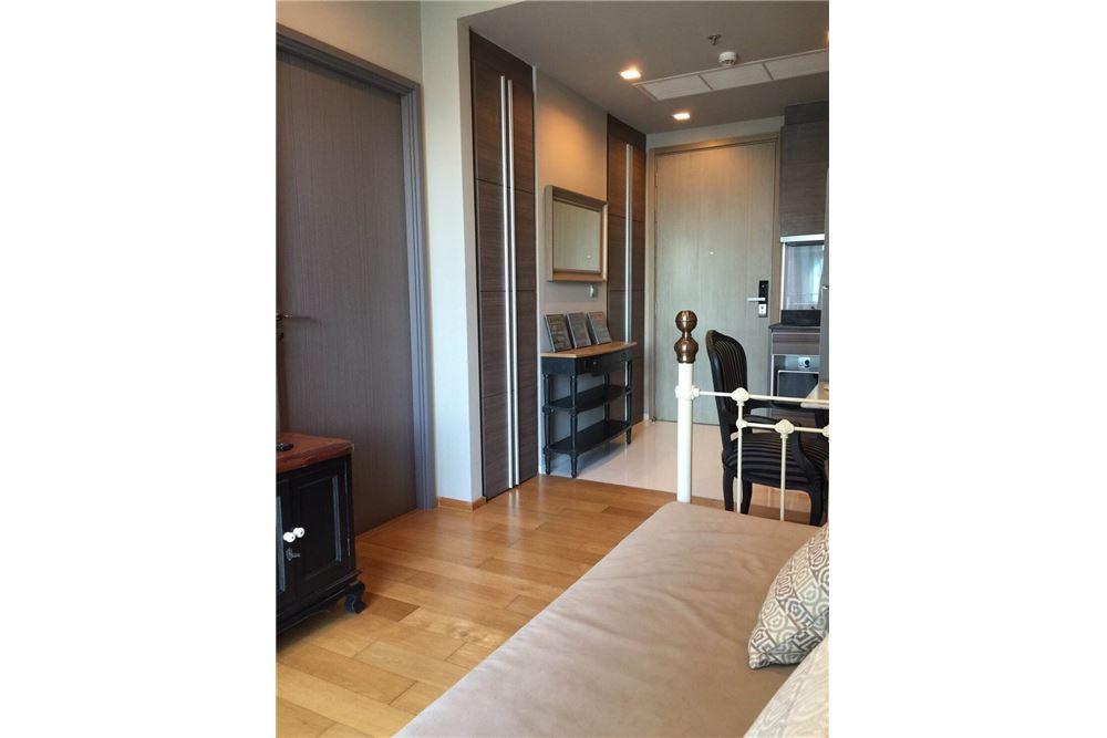 RE/MAX Properties Agency's Keyne 1bed 4