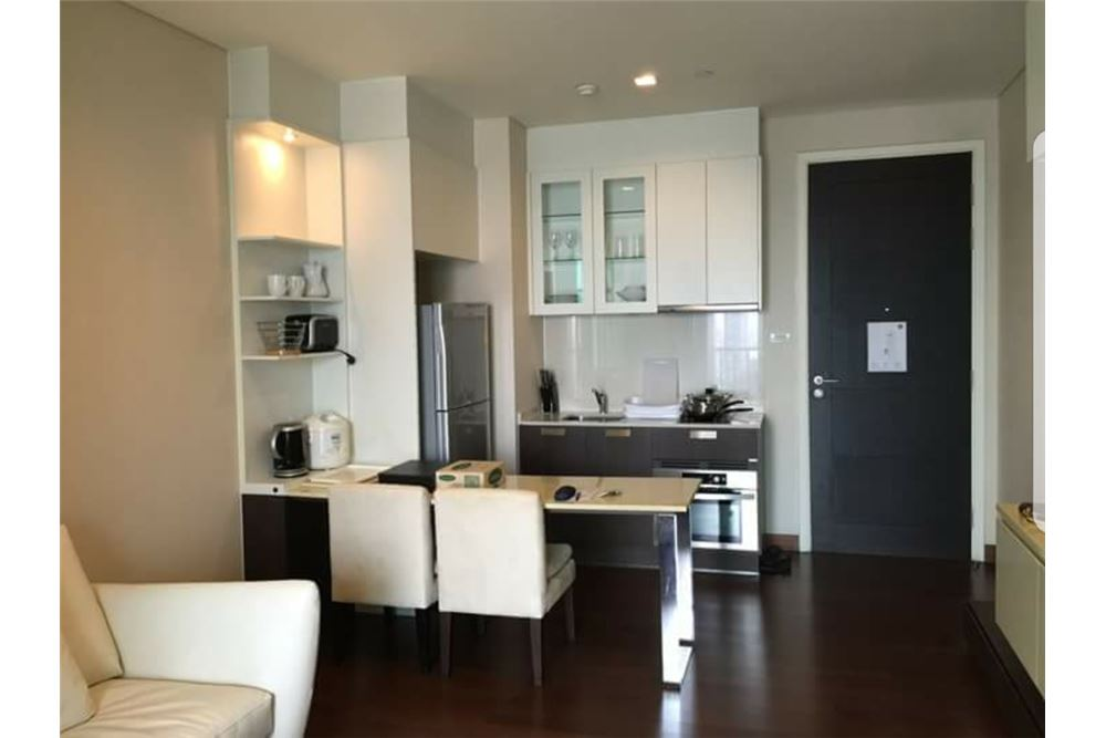 RE/MAX Executive Homes Agency's Spacious 1 Bedroom for Rent Ivy Thonglor 7