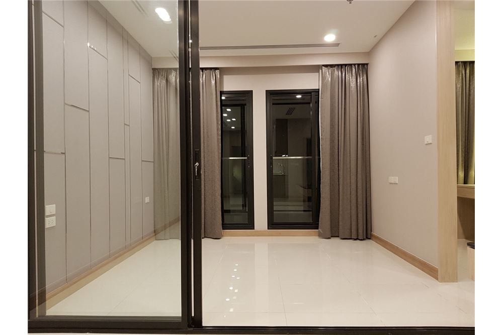 RE/MAX Properties Agency's 1 Bed for rent 55,000 THB 12