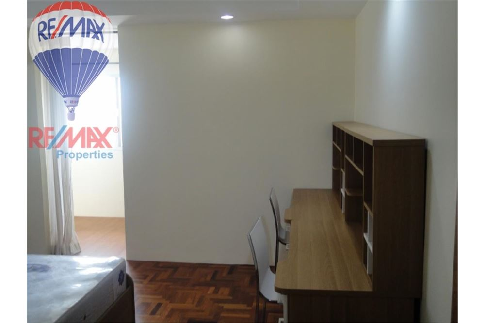 RE/MAX Properties Agency's FOR SALE  REGENT ON THE PARK 3  3BED 231SQM 11