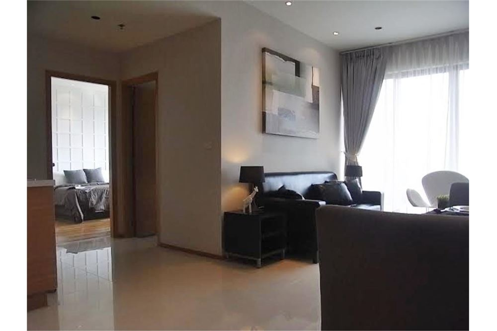RE/MAX Properties Agency's FOR RENT The Emporio Place 1BED 65.35SQM 7