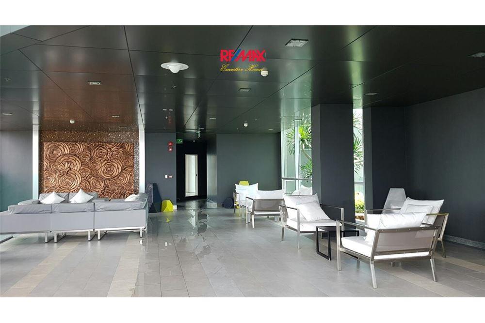 RE/MAX Executive Homes Agency's Condominium for rent - Sathorn 5