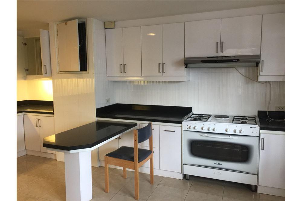 RE/MAX Executive Homes Agency's 3bedroom 2bath For Rent Sukhumvit 24, BTS 8