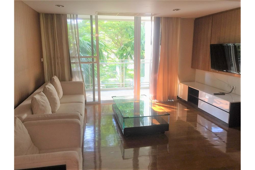 RE/MAX Executive Homes Agency's Apartment 3 Bedrooms For Rent in Thonglor 1