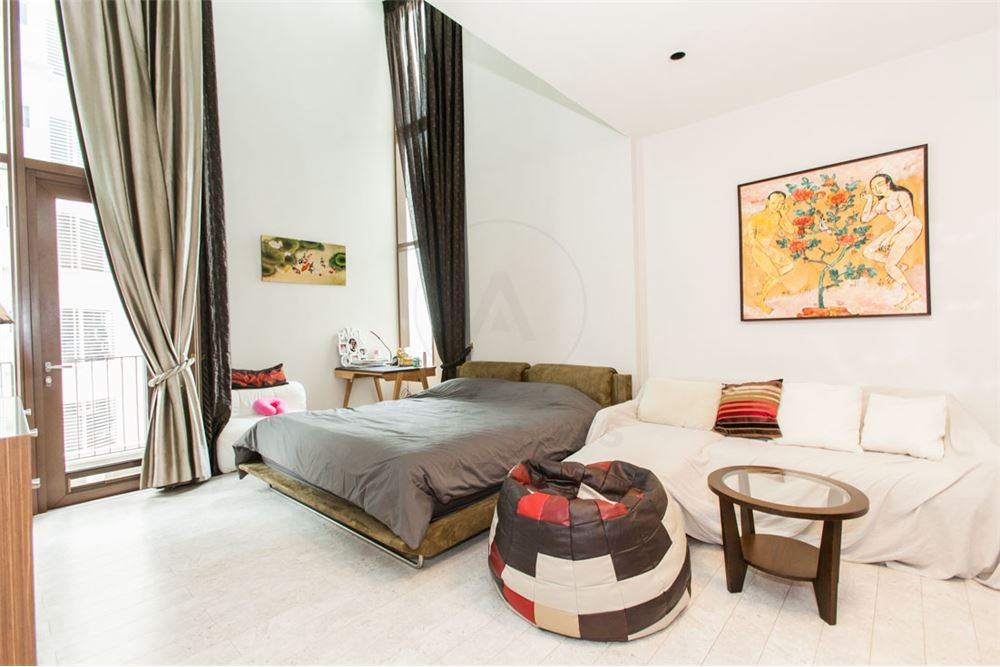 RE/MAX Properties Agency's FOR SALE   THE EMPORIO PLACE 1BED 90SQM 1