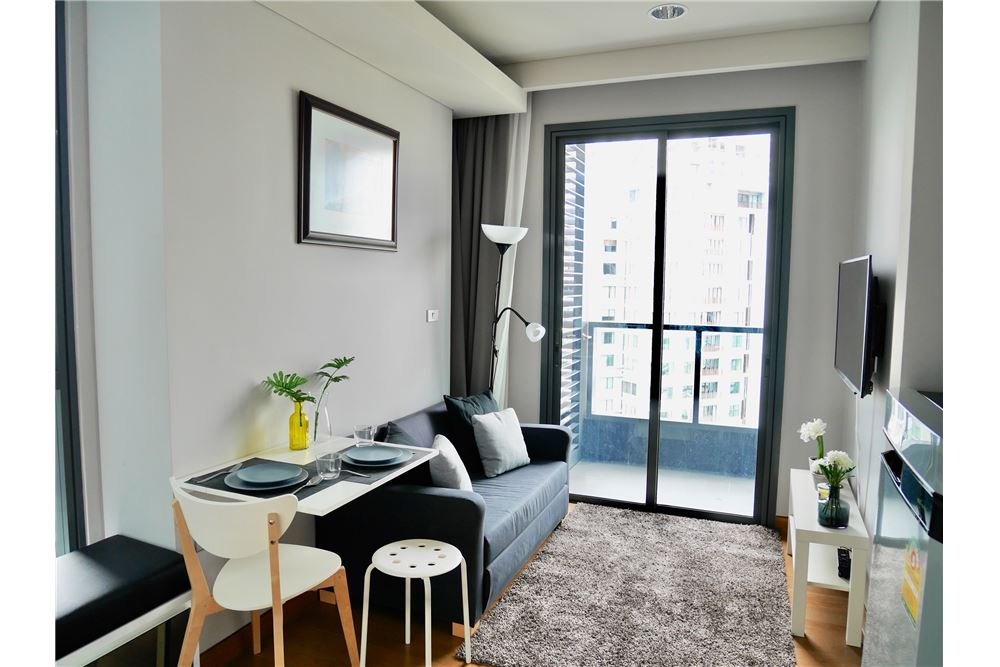RE/MAX Executive Homes Agency's Lovely 1 Bedroom for Rent Lumpini 24 2