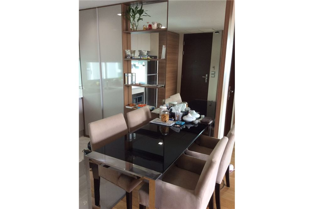 RE/MAX Executive Homes Agency's Nice 2 Bedroom for Sale with Tenant Address Asoke 5
