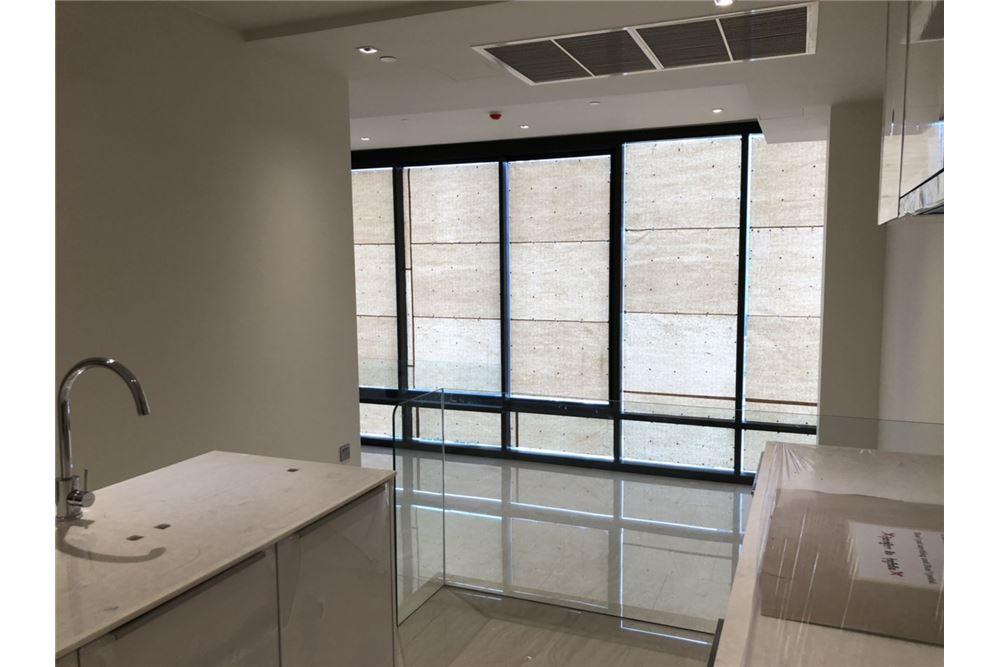 RE/MAX Executive Homes Agency's Nice 2 Bedroom for Sale Ashton Silom 9
