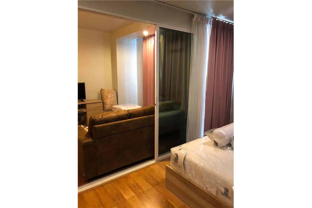 RE/MAX Properties Agency's 1 Bed for rent at 20K!! 5