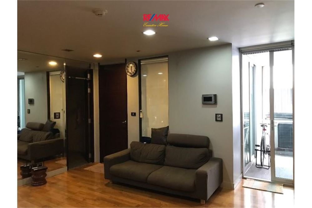 RE/MAX Executive Homes Agency's Spacious 1 Bedroom for Sale Quad Silom 4