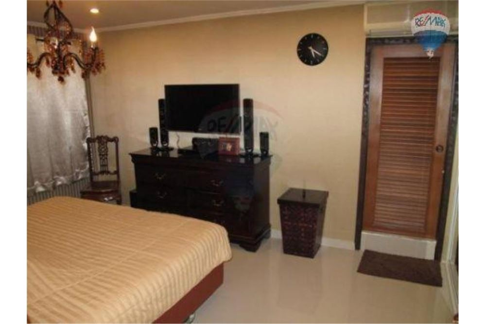 RE/MAX Properties Agency's FOR SALE  REGENT ON THE PARK 1  1BED 45SQM 7
