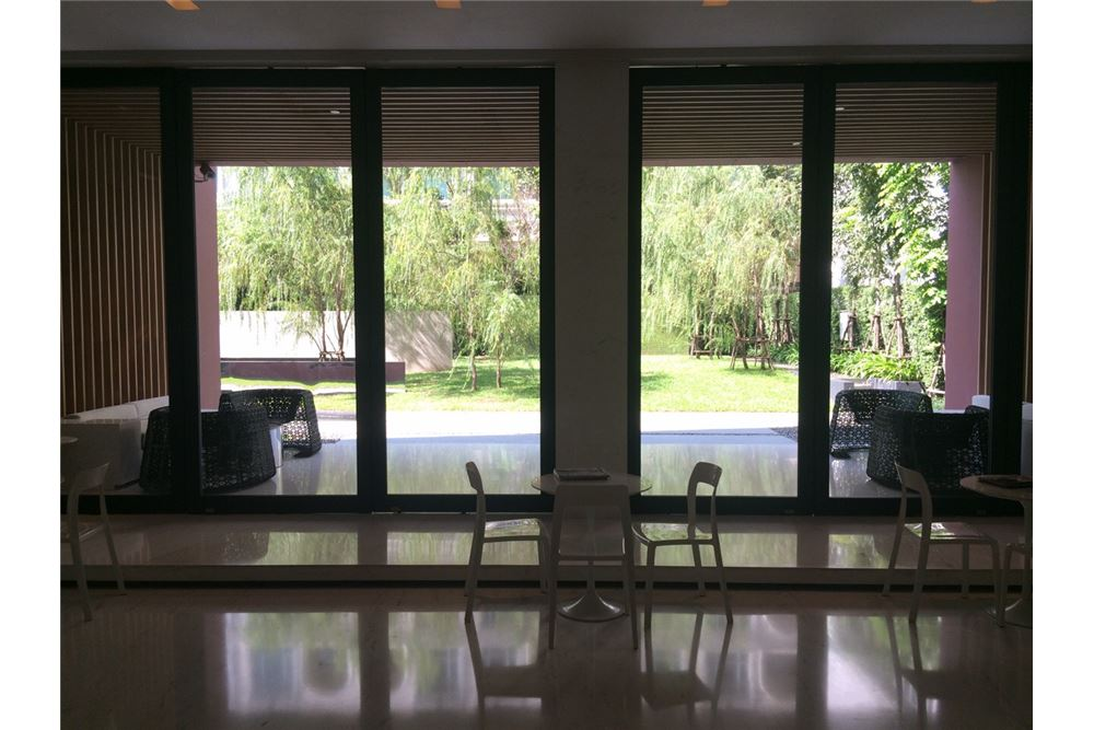 RE/MAX Executive Homes Agency's Nice 1 Bedroom for Sale Wyne Sukhumvit 10